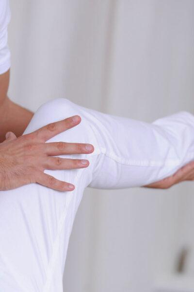 Osteopathie-Behandlung-Knie-r